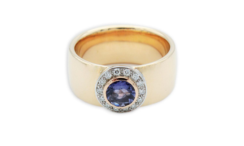14Kt Rosegoldring mit Blauen Saphir und Brillanten in Weißgold gefasst
